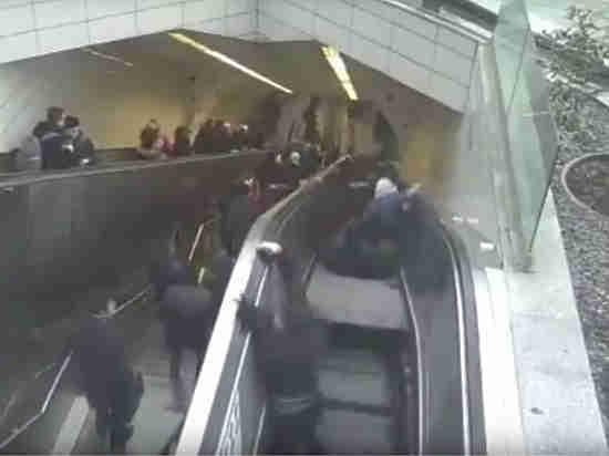Эскалатор «проглотил» мужчину в подземке Стамбула