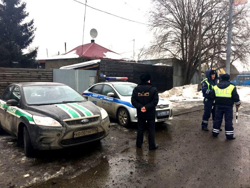 В Новой Москве сотрудники ОБ ДПС ГИБДД УВД по ТиНАО провели совместный рейд с судебными приставами