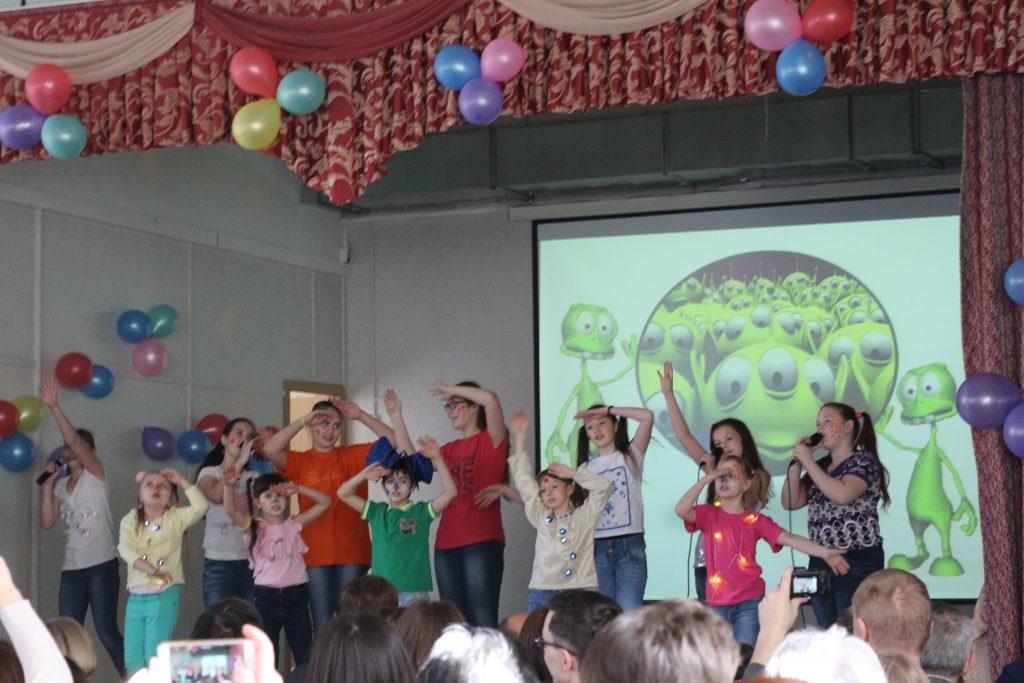 Сквозь космос: школьники со всей России поучаствовали в тематической конференции в Троицке