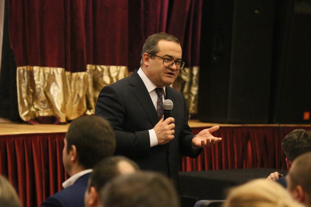Префект ТиНАО Дмитрий Набокин провел встречу с жителями Воскресенского