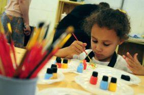 Сотрудники библиотеки Троицка проведут День юного художника. Фото: архив, «Вечерняя Москва»
