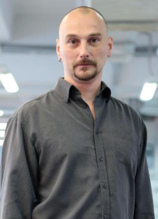 Обозреватель Артем Чубар