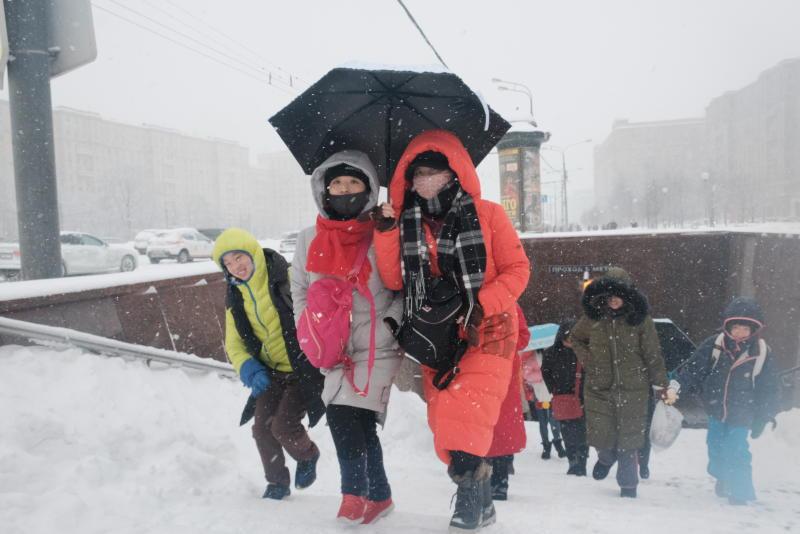 Жителей Москвы напугали сильным ветром