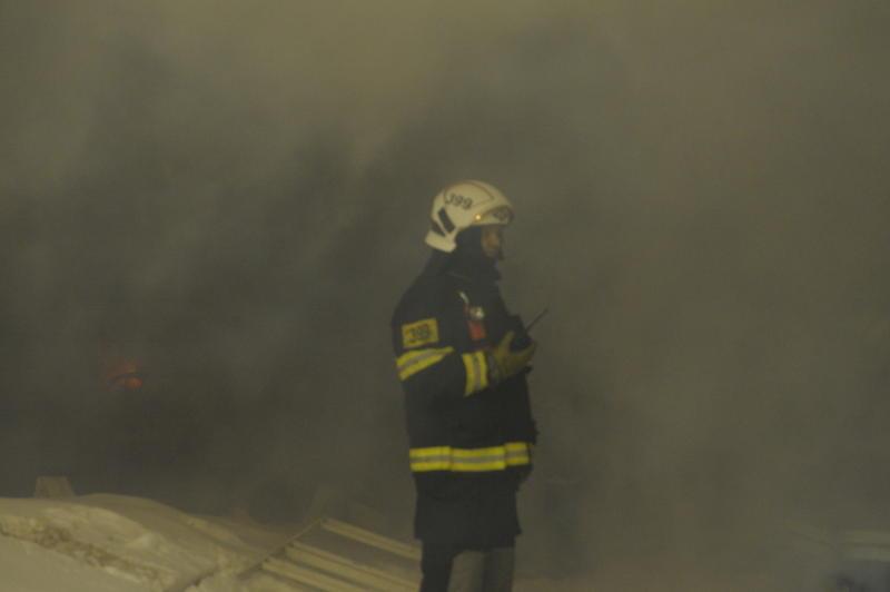 Пожар в торговом здании потушили на территории ТиНАО