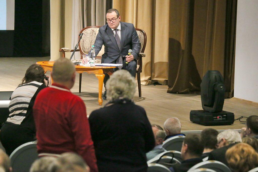 Префект ТиНАО Дмитрий Набокин провел встречу с жителями Новой Москвы в Вороновском