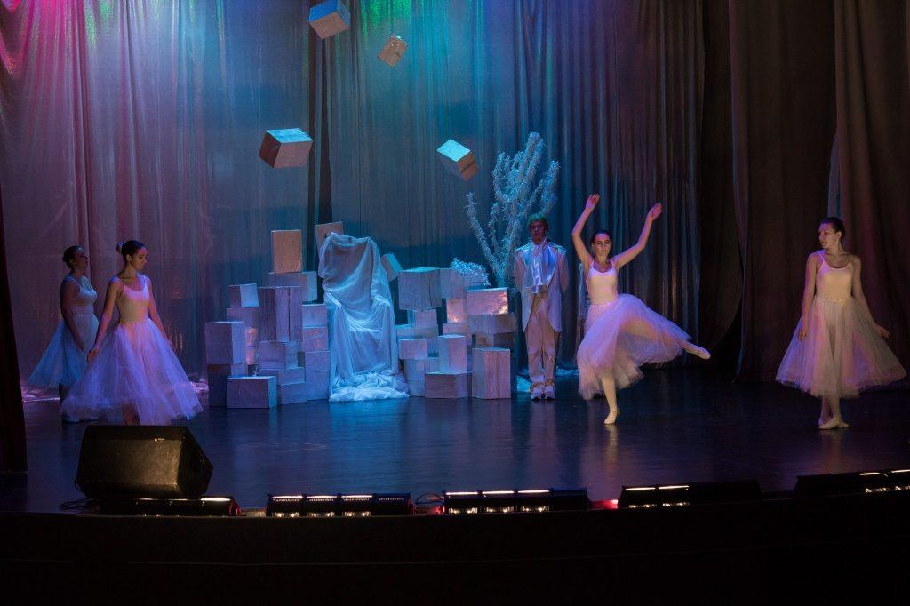 Театральный фестиваль с успехом прошел в Краснопахорском