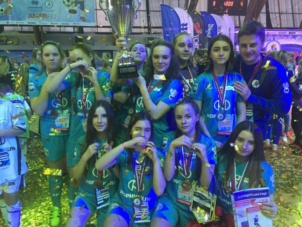 Спортсменки из Сосенского взяли «бронзу» на турнире по мини-футболу