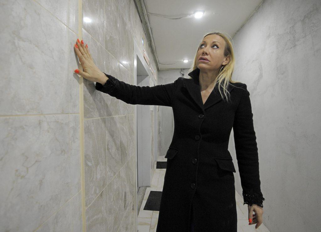 Торцевые стены многоквартирных домов в Рязановском утеплят. Фото: Пелагия Замятина, «Вечерняя Москва»