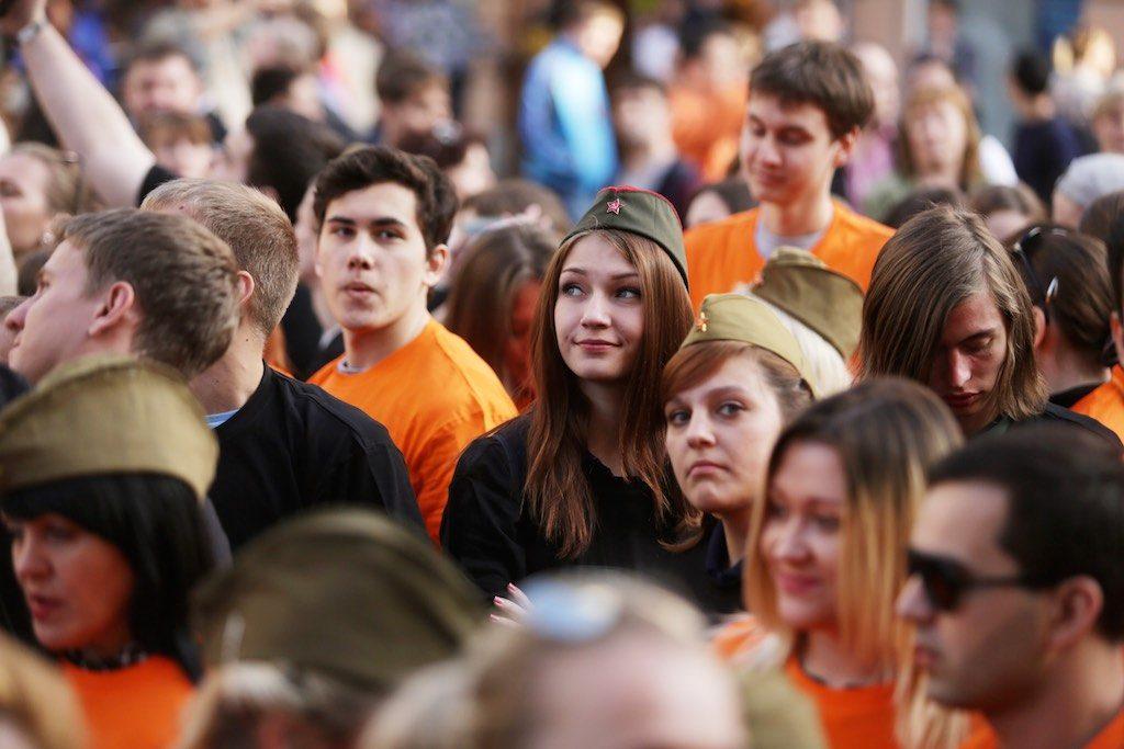 Акцию «Песни Победы» в центре Москвы посетят «Хор Турецкого» и группа Soprano