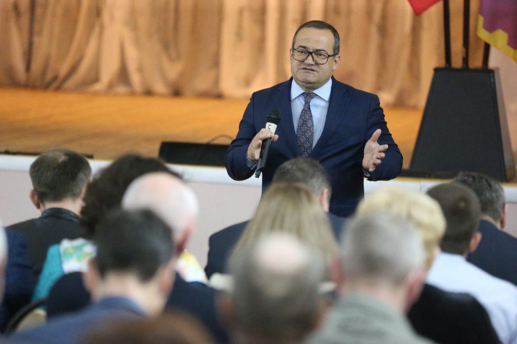 Префект ТиНАО провел встречу с жителями в Кленовском