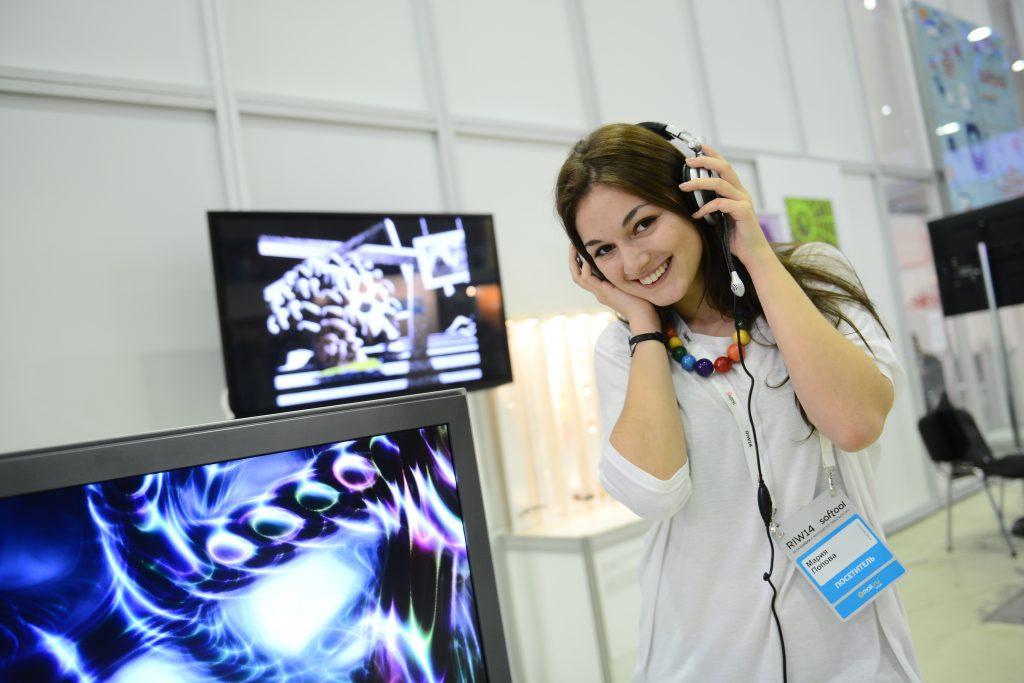 Новые технологии: познавательную лекцию провели в Рязановском