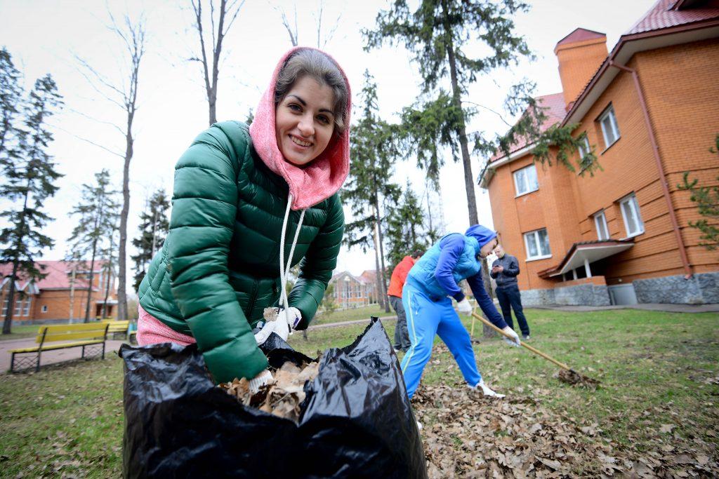 Озеленение территории вокруг Центра культуры и спорта «Ватутинки» проведут в конце апреля. Фото: архив, «Вечерняя Москва»