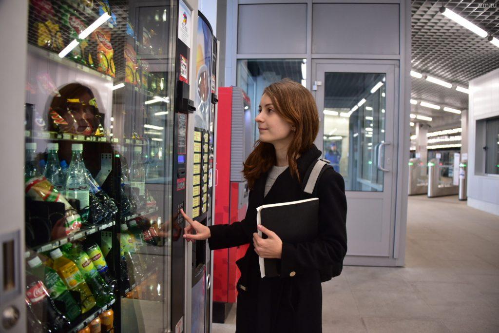 Более 400 вендинговых аппаратов появятся на станциях московского метро
