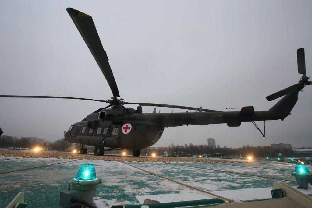 Два вертолета МАЦ подготовили для вылета к месту чрезвычайной ситуации