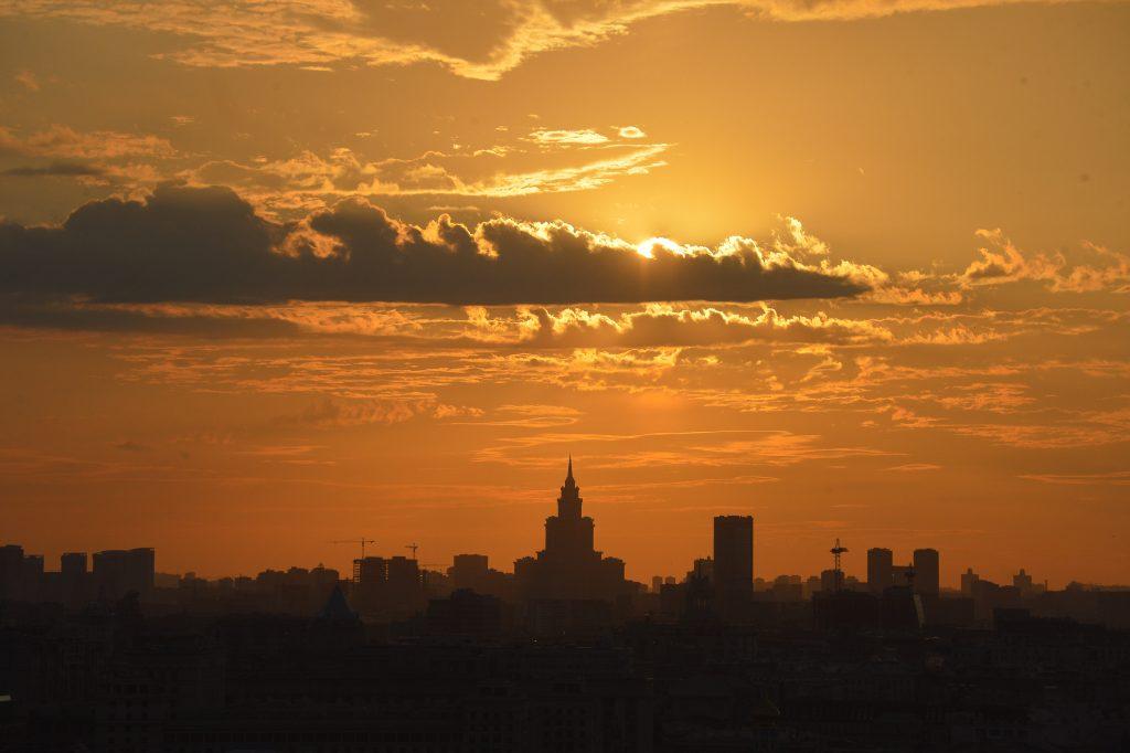 Небо затянет тучами, а температура упадет. Фото: Александр Казаков