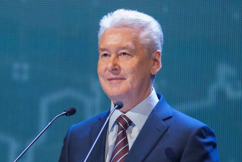 Мэр Москвы призвал гостей «Пасхального дара» помочь бездомным животным