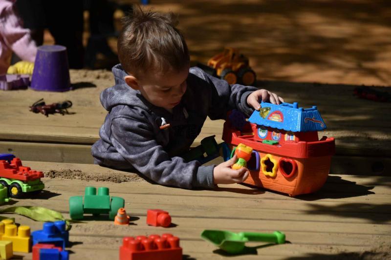 Шесть детских площадок построили в садовых товарищества в Новой Москве. Фото: Владимир Новиков, «Вечерняя Москва»