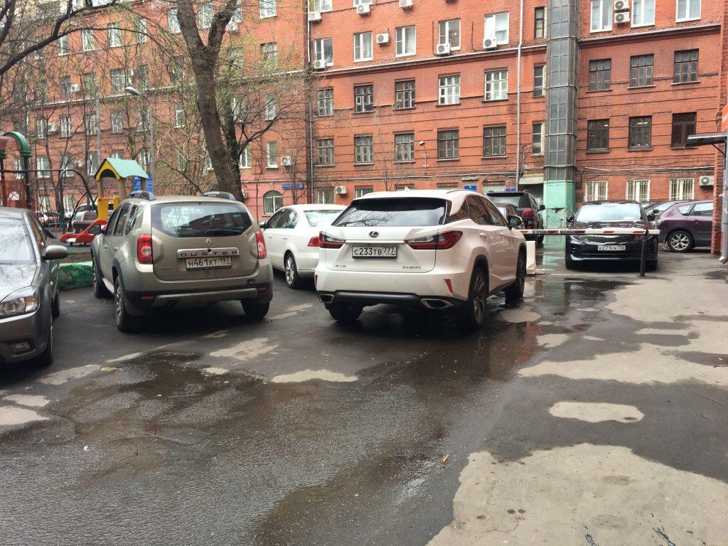 Парковочные карманы отремонтируют в Роговском. Фото: Татьяна Родионова, «Вечерняя Москва»