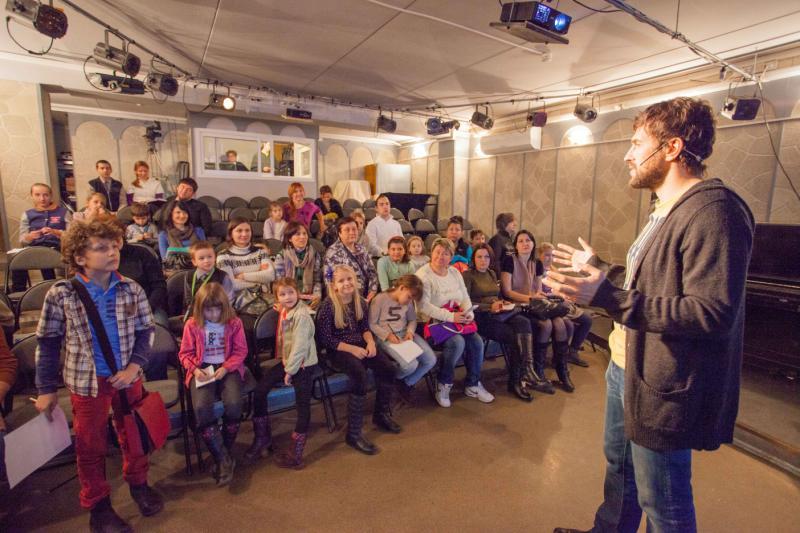 Юных жителей Десеновского пригласили на мультаттракцион