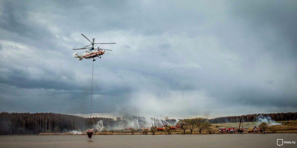 Спасатели и пожарные готовы к «жаркому московскому лету»