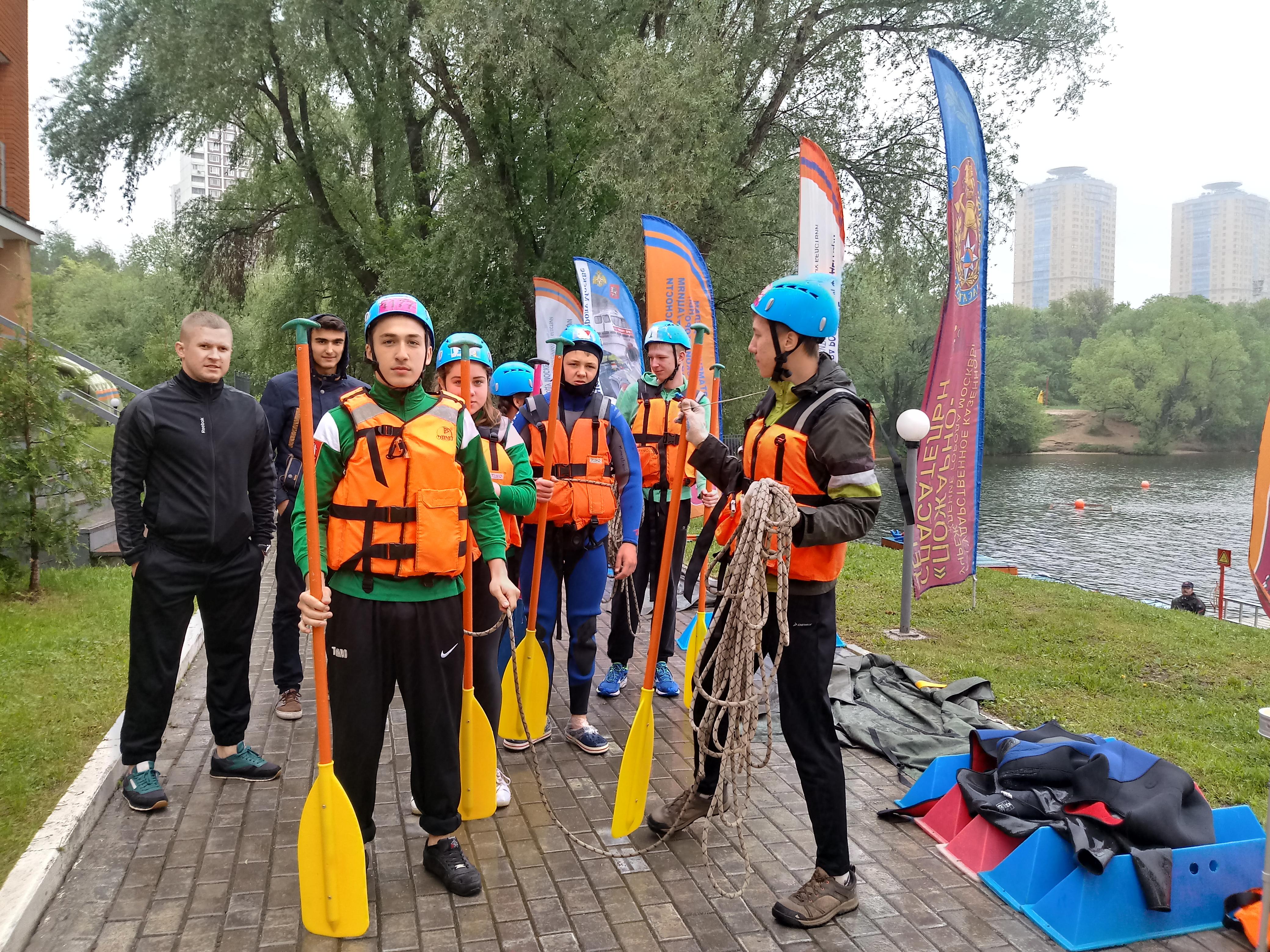 Кадеты из ТиНАО приняли участие в соревнованиях «Юный водник»