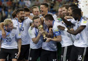 Уже скоро на этом поле будет готовиться к играм чемпионата мира по футболу сборная Германии. Фото: Thanassis Stavrakis/ТАСС