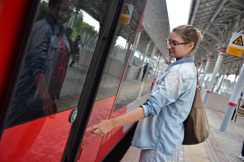Стикеры «Фотографировать разрешено» появятся на платформах Московского центрального кольца