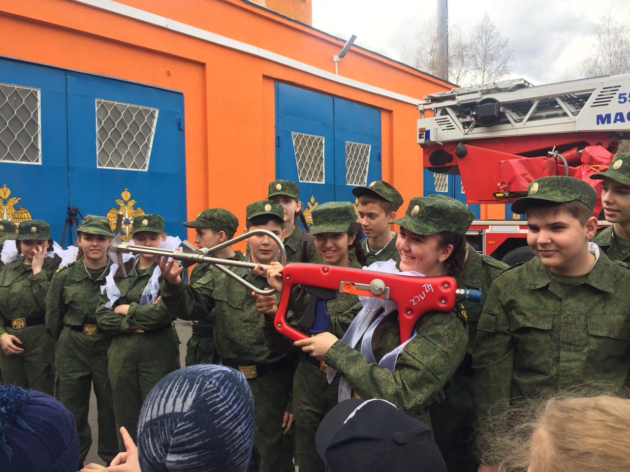 73-я годовщина Великой Победы: Кадеты посетили пожарно-спасательную часть
