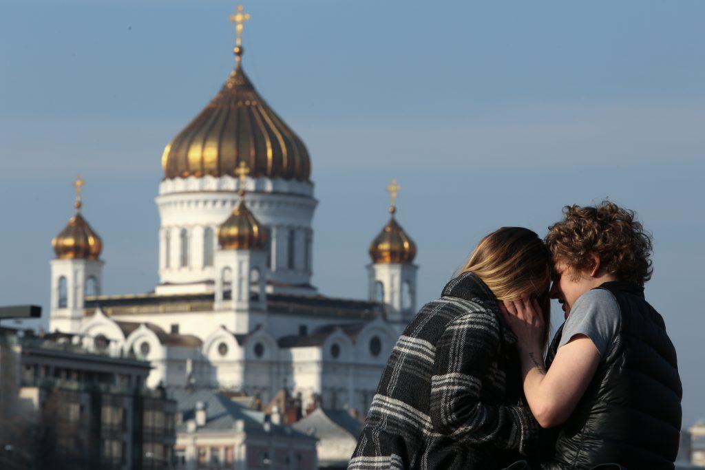 Москвичам пообещали теплые и безветренные выходные