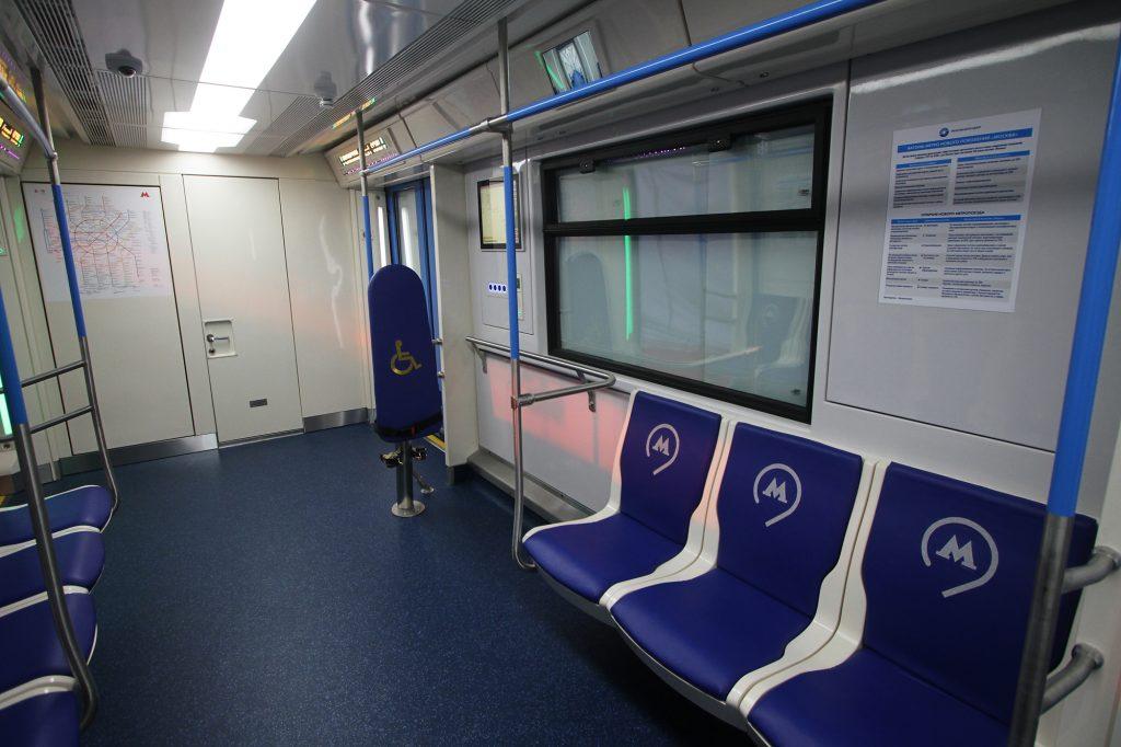 Телеканал «Москва 24» первым в мире начал вещание в прямом эфире в вагонах метро. Фото: архив