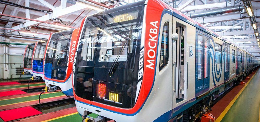 Поезд «Москва» начал курсировать на Калужско-Рижской линии
