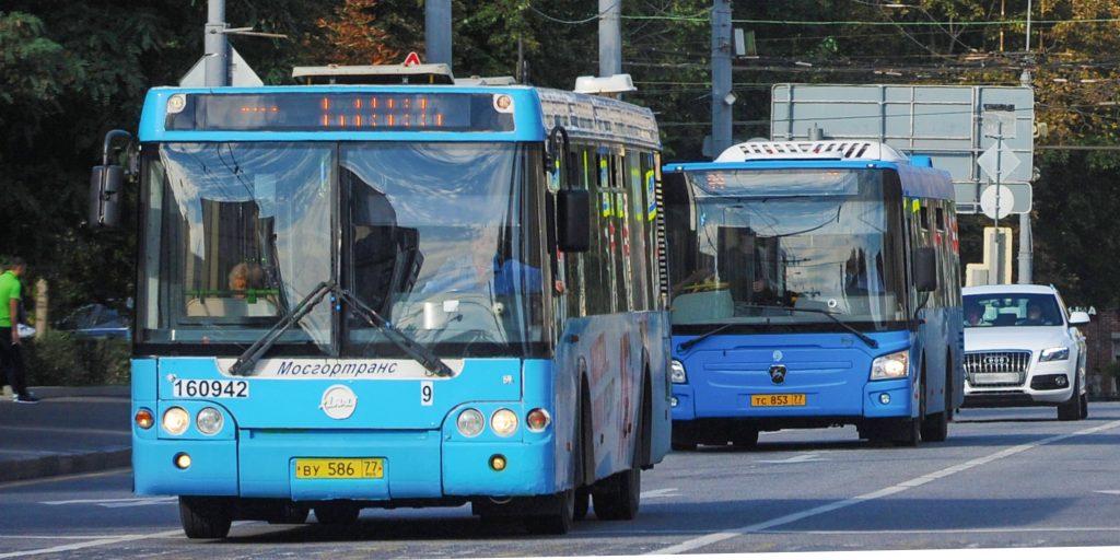 Дополнительные автобусы к мемориальным комплексам запустят в День Победы