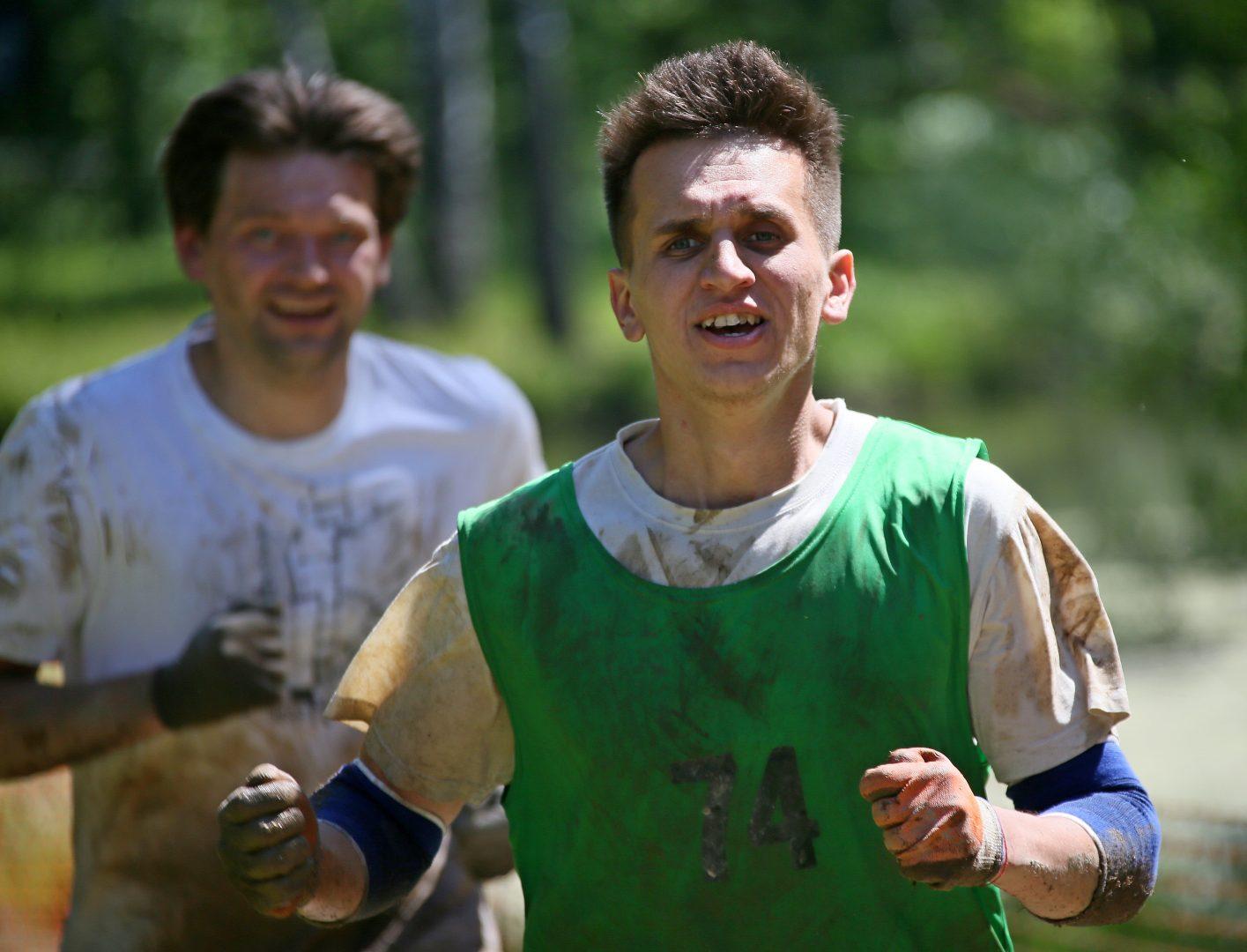 Алексей Зайцев не жалеет сил и рвется к финишу: все Сосен- ское на него надеется. Фото: Владимир Смоляков