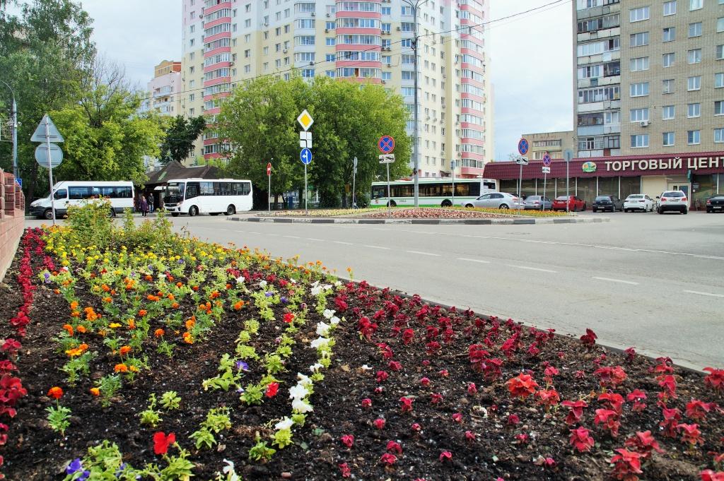 Цветы высадили на территории поселения Мосрентген