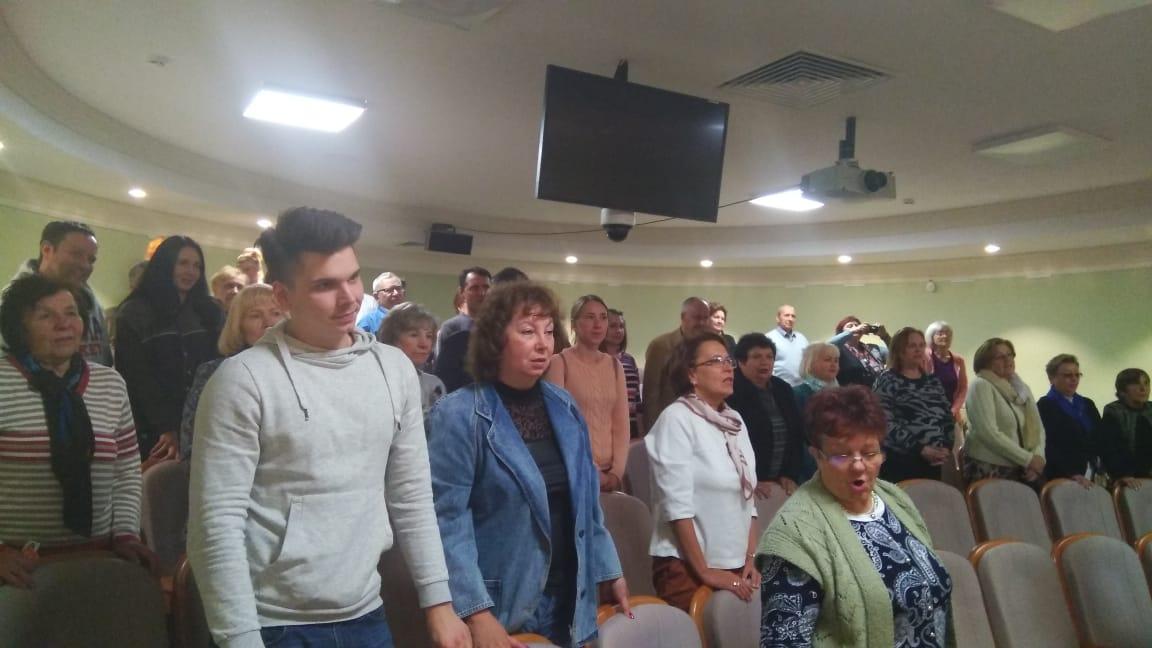 Участники проекта «Московское долголетие» провели праздничный концерт в Остафьеве