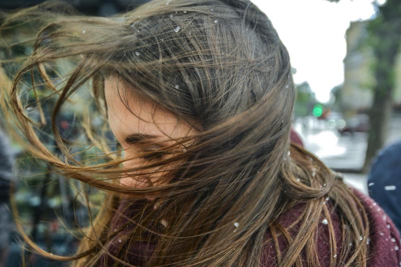 Москвичей напугали грозой и градом на выходных