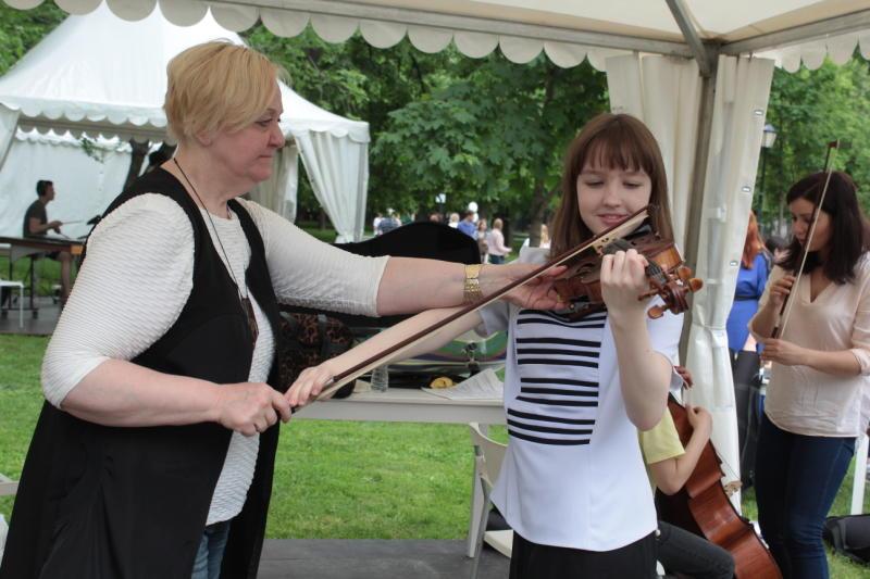 Более 35 тысяч музыкальных инструментов поступит в московские школы искусств