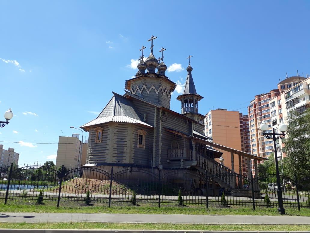 Место для души и для молитвы: деревянный храм возвели на месте пустыря