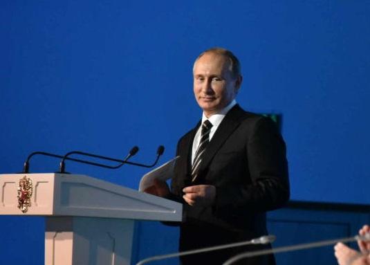 Путин выразил уверенность в успехе программы реновации в Москве