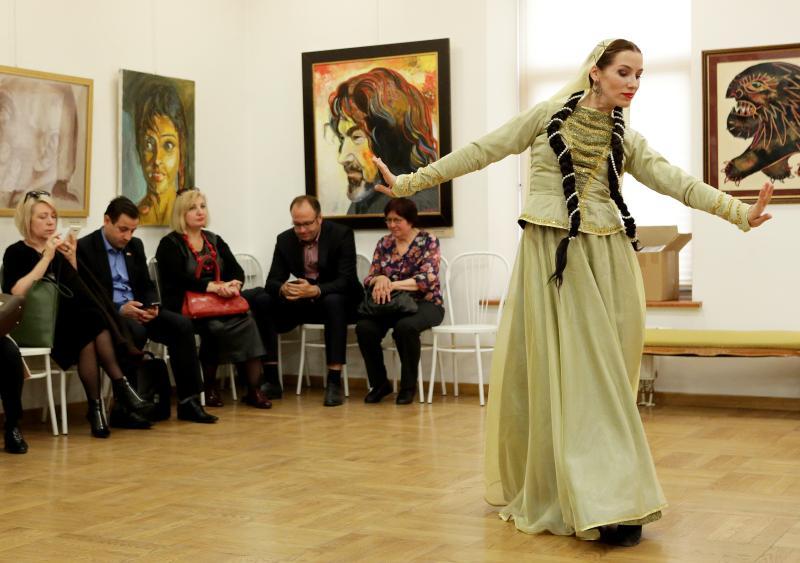 Выставку русских народных костюмов откроют в Щапове