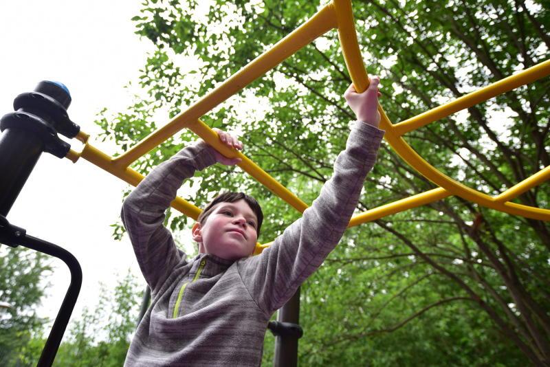Новую детскую площадку возведут в Кленовском