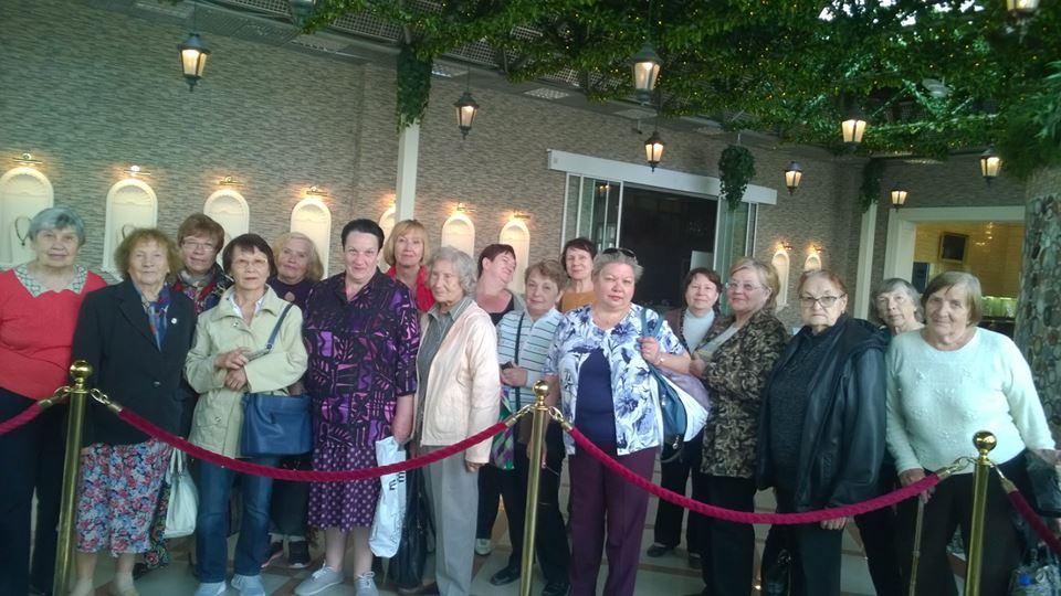 Пожилые люди поселения Московский посетили ювелирный завод