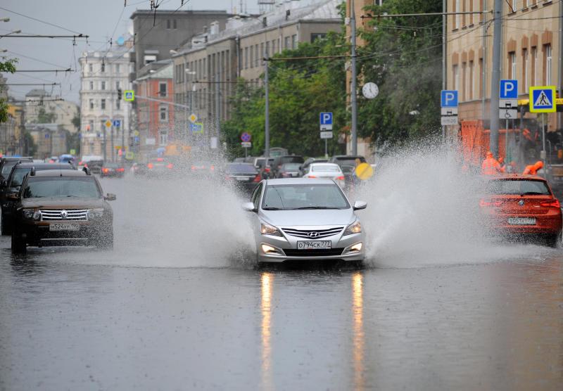 Москвичей просят перенести поездки за город из-за непогоды