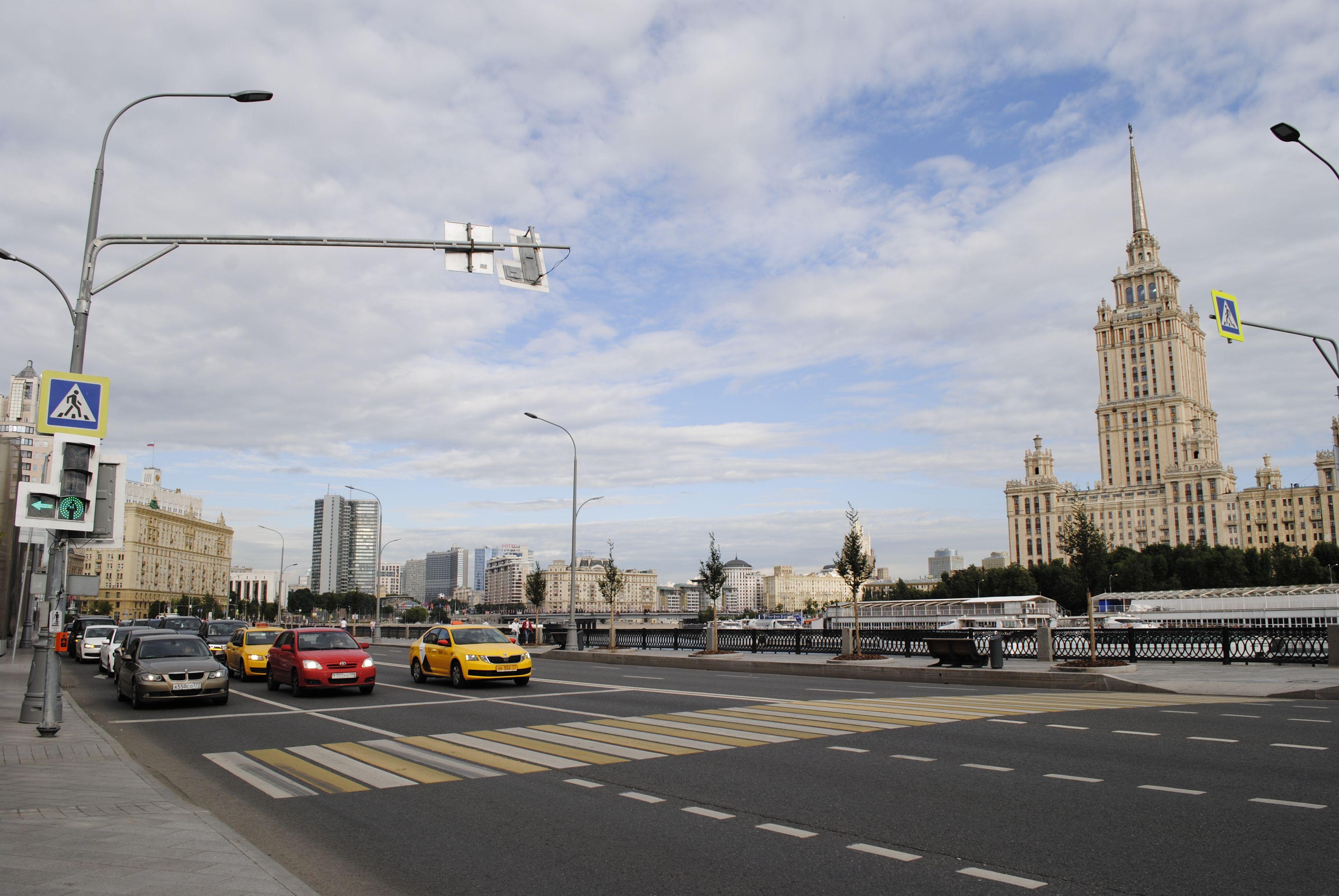 Около 380 километров дорог построят в Москве