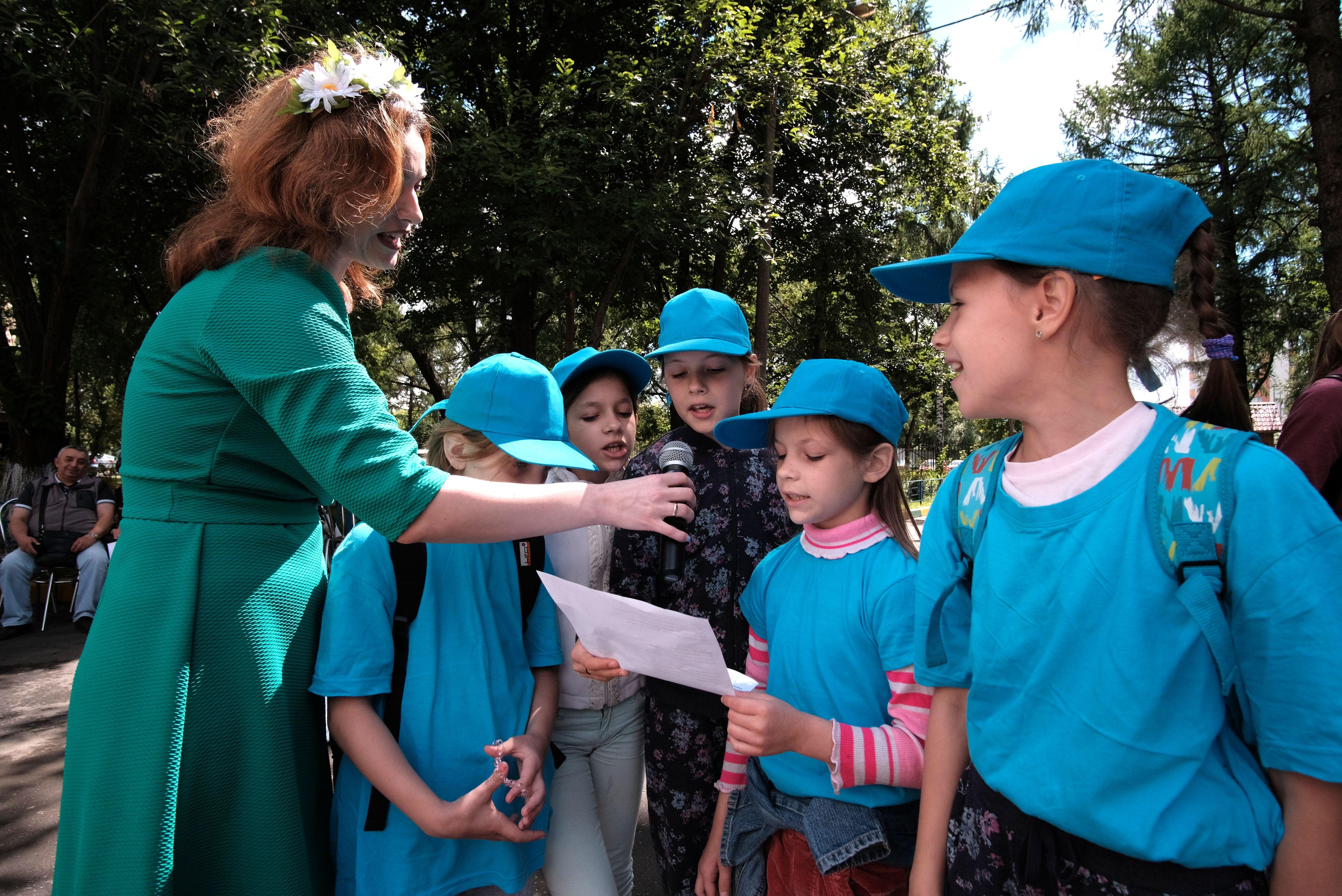 Программу дополнило участие в народных играх. Фото: Максим Аносов
