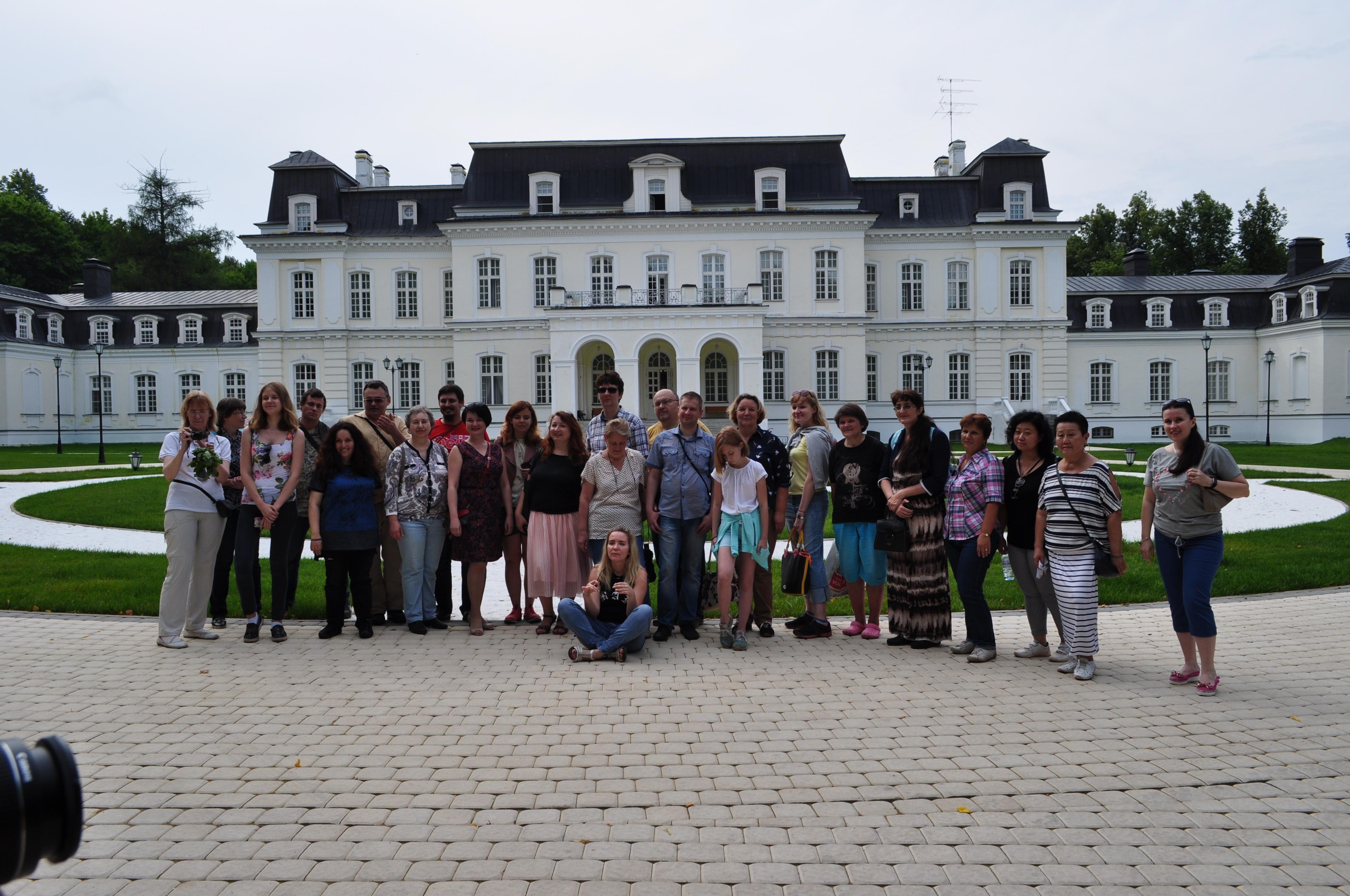 Свыше 20 человек поучаствовали в блог-туре по Новой Москве