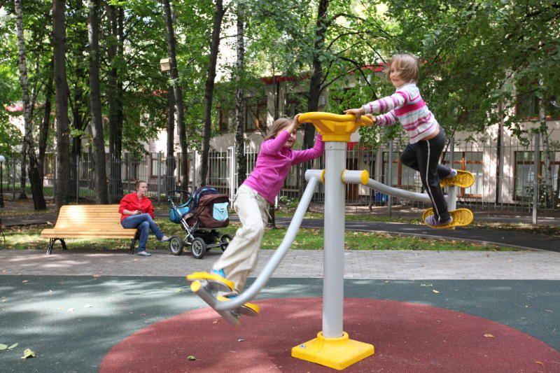 Тренажеры установят на детской площадке в Первомайском