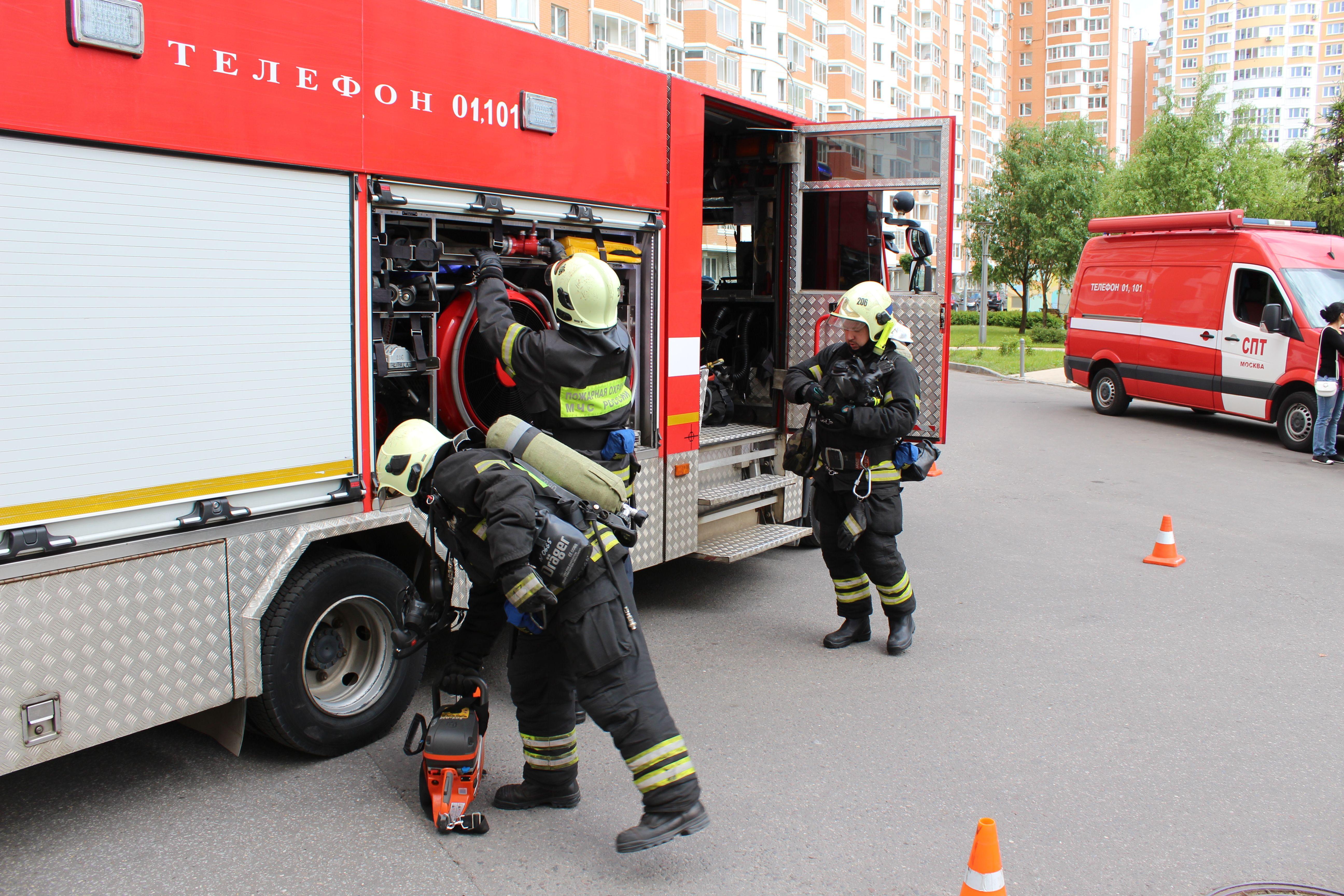 В Новой Москве прошли учения по тушению пожара в высотном здании