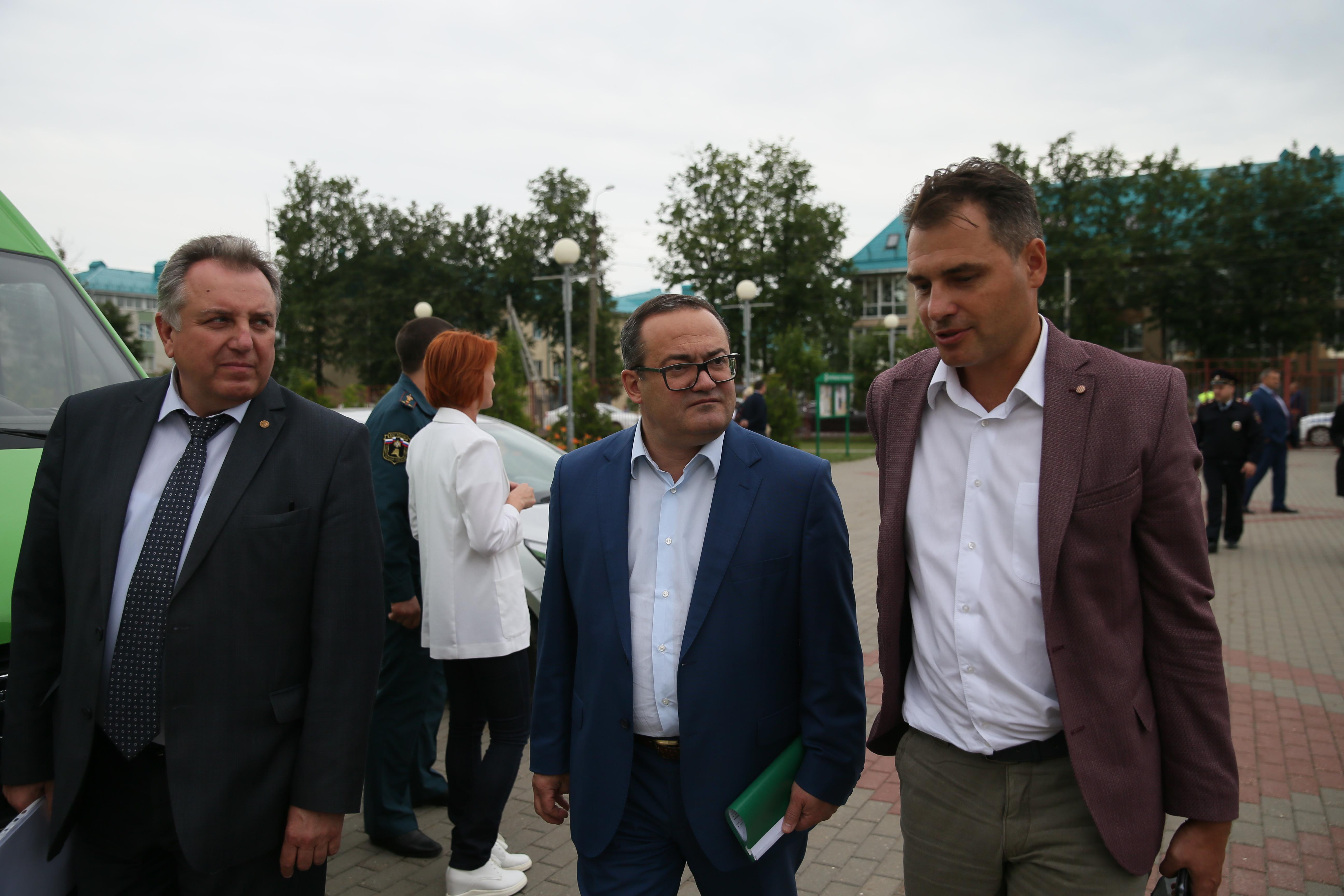 Префект ТиНАО Дмитрий Набокин провел встречу с жителями поселения Первомайское
