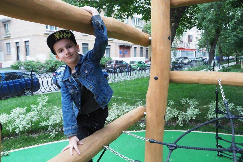 Детскую площадку в поселении Кленовское оборудуют к концу июля